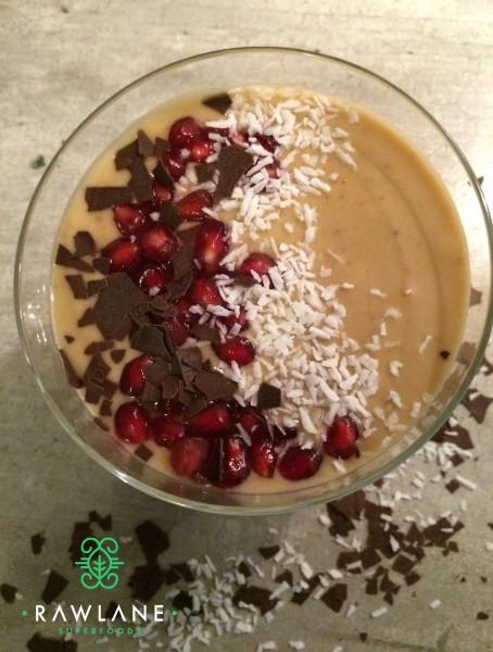 Maca-Erdnuss-Bowl